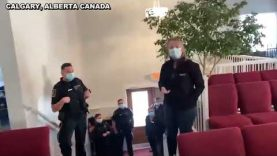 🇨🇦 CANADIAN MAN STANDS HIS GROUND POLICE FLEE