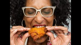 A BUNCH Of Reasons To NEVER Eat FRIED Chicken Again!